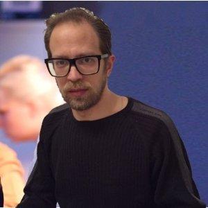 Arie Shkolnik - Creative Director der Online-Marketing Agentur BOOKaBRAIN